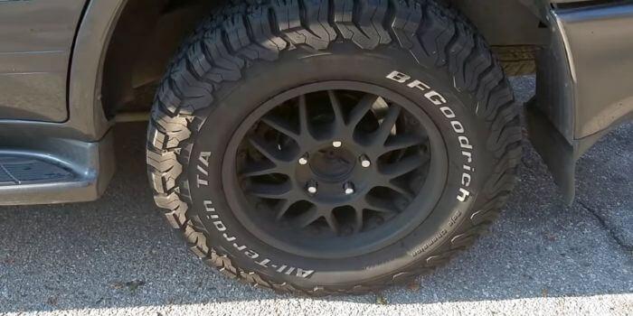 KO2 vs KM3 Tires